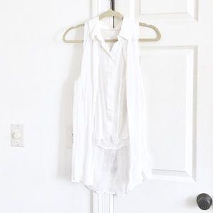 🆕 Rachel Roy white sleeveless button-up